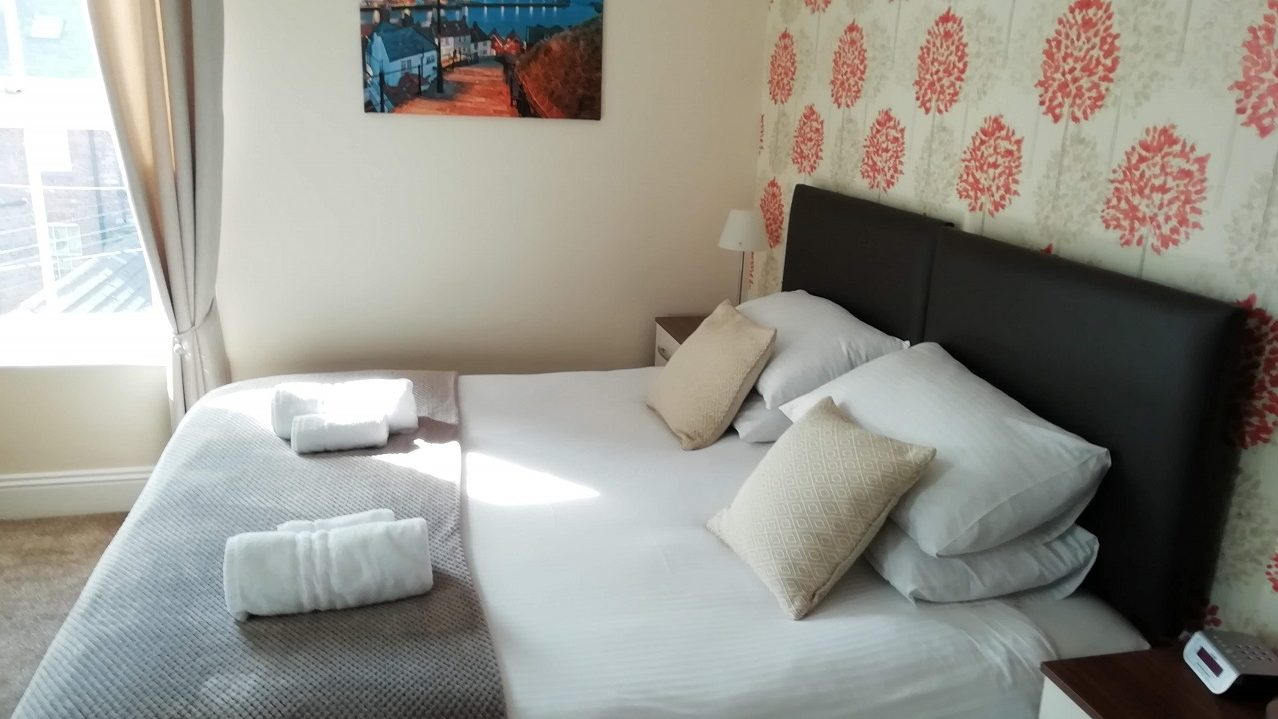 Photograph of Room 4 Super-king room bed