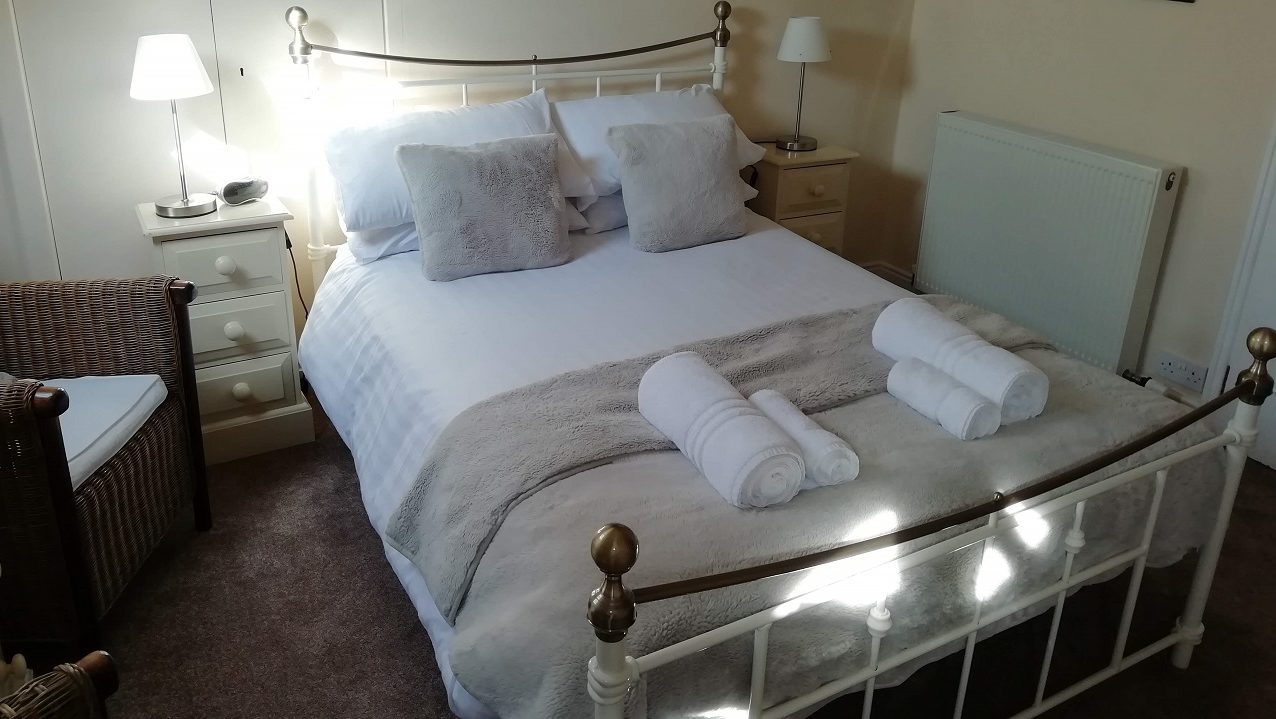 Photograph of Room 7 standard double bed
